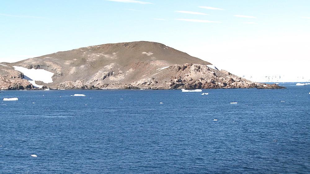 Gourdin Island scenic. Gourdin Island, Antarctic peninsula - 1034-1059