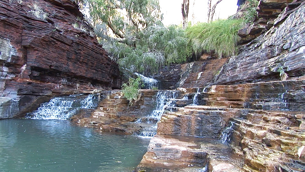 Water over rock formation. Australia - 945-397