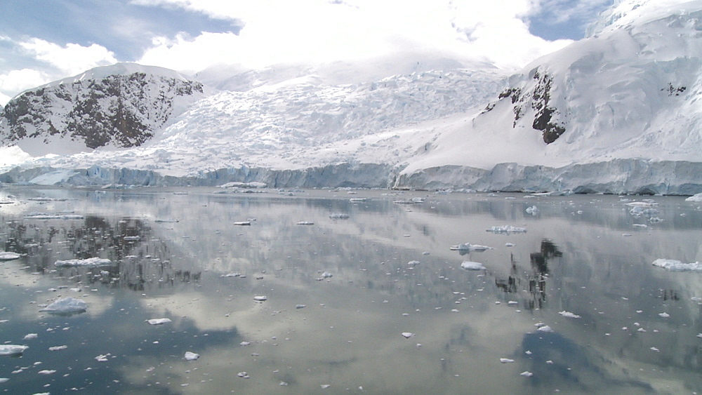 Antarctic scene. Anvoord Bay, Neko Harbour