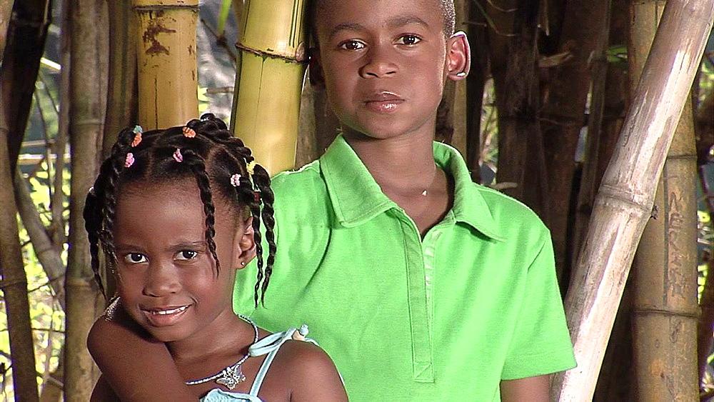 Boy and a girl looking ahead - 1114-1592
