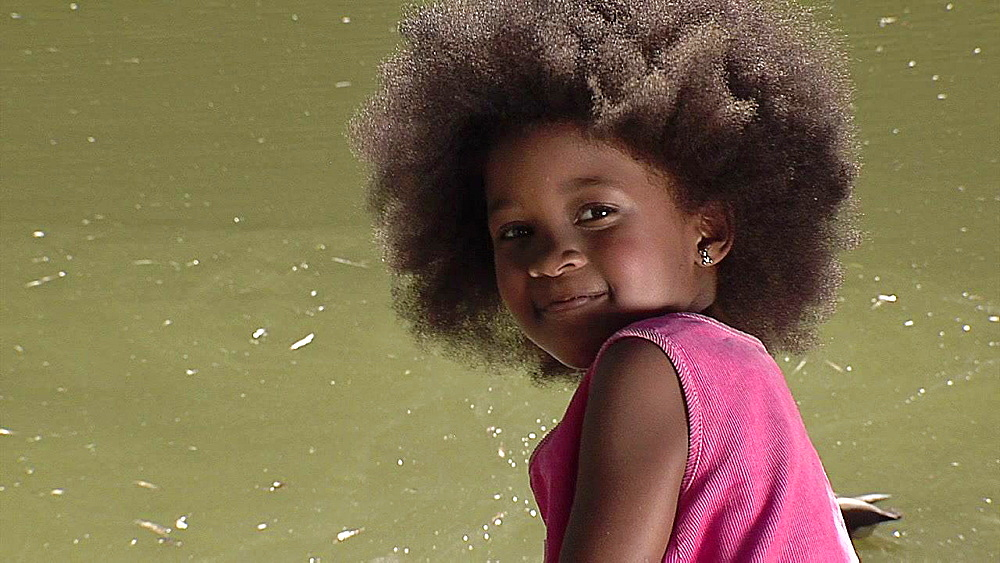 Black girl with afro hair - 1114-1611