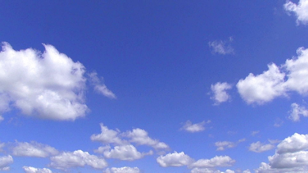 Clouds moving in the sky - 1172-1684