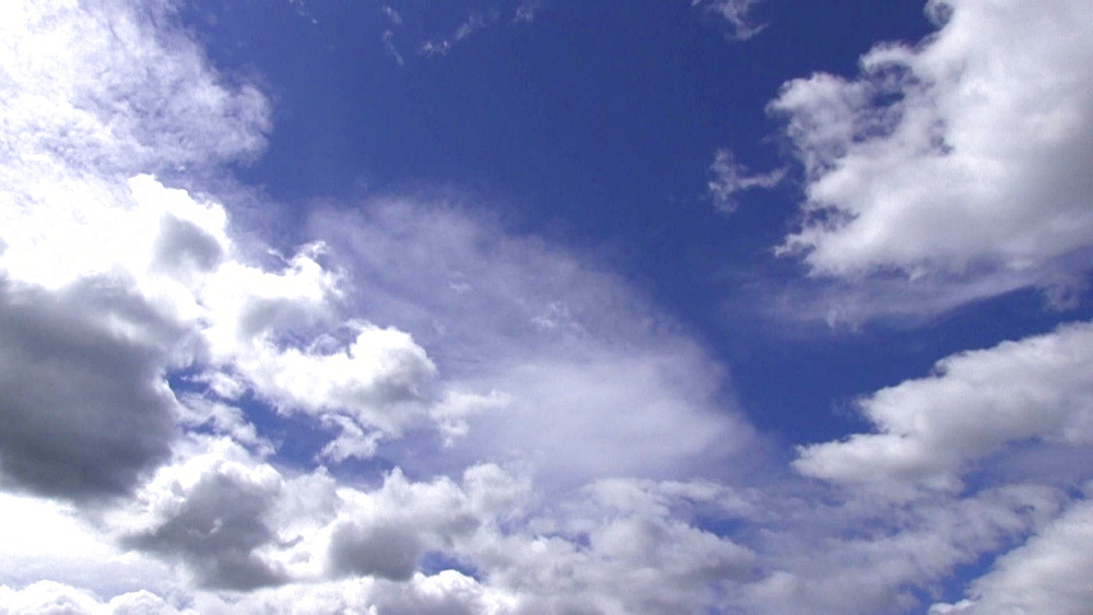 Clouds moving in the sky - 1172-1688