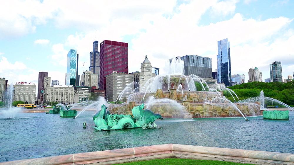 Buckingham Fountain, Grant Park, Chicago, Illinois, United States of America, North America - 1226-965