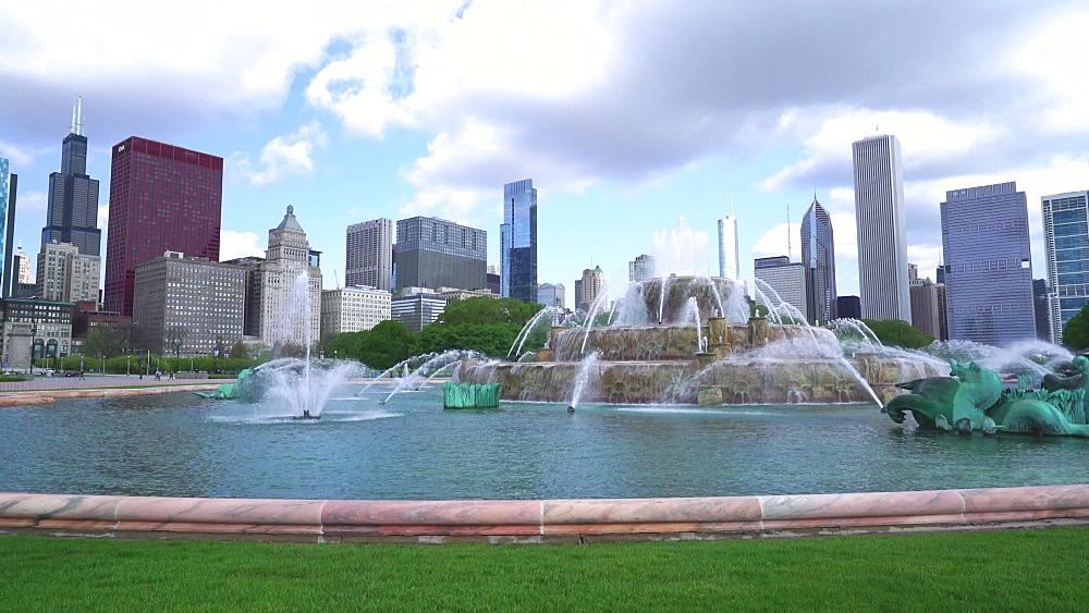 Buckingham Fountain, Grant Park, Chicago, Illinois, United States of America, North America - 1226-966