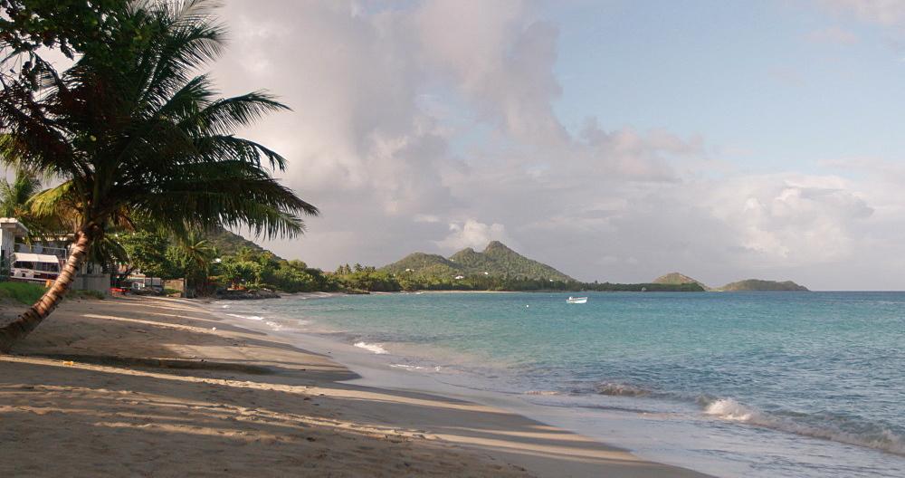 Hillsborough Beach / Bay, Carriacou, Grenada, Caribbean. - 1239-22