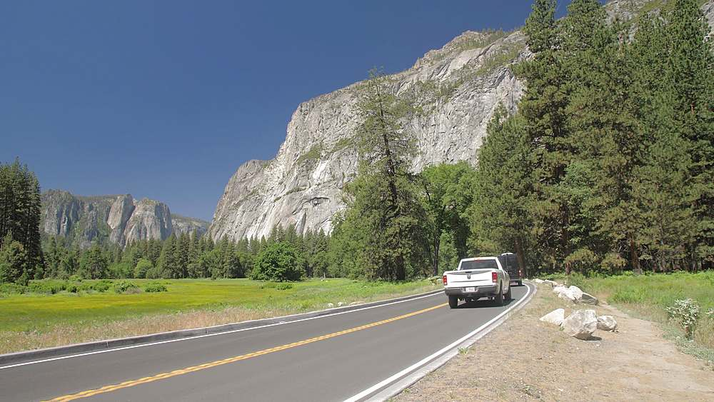Cars driving through Yosemite National Park, UNESCO World Heritage Site, California, USA, North America