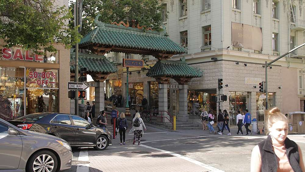 Dragon Gate entrance to Chinatown, San Francisco, California, United States of America, North America
