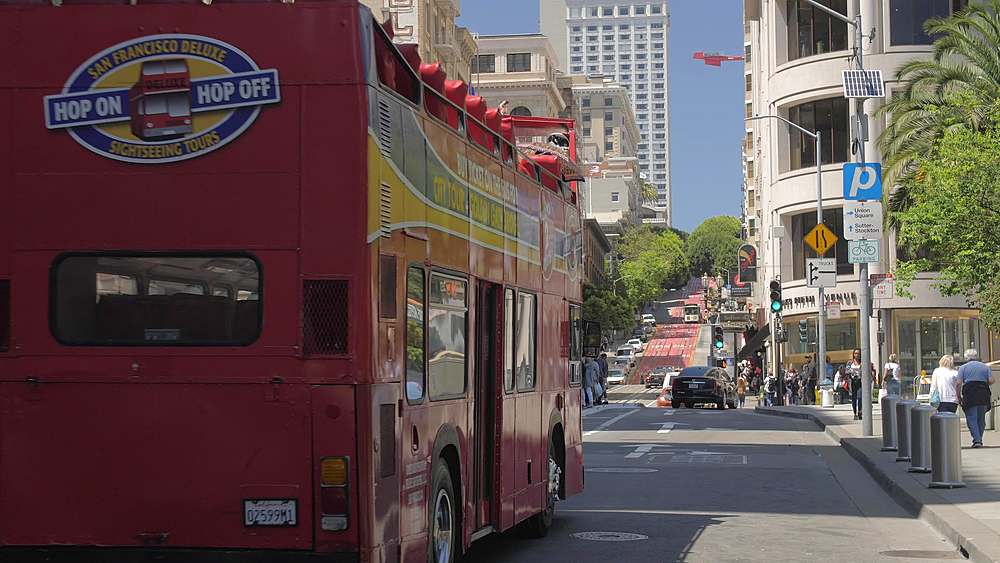 View of Double deck bus on Powell Street, San Francisco, California, United States of America, North America - 1276-1311