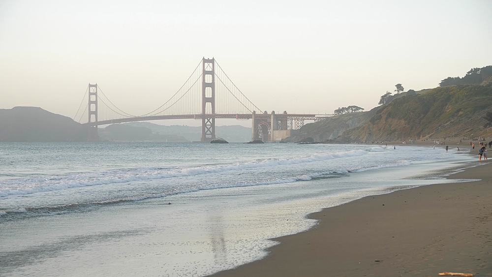 View over Baker Beach towards Golden Gate Bridge at sunset, South Bay, San Francisco, California, United States of America, North America - 1276-1386