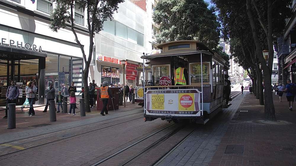 Cable Cars on Powell Street in San Francisco, California, United States of America, North America - 1276-1388