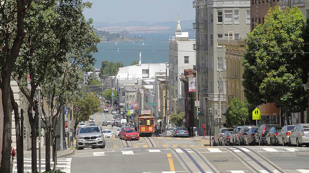 Cable Car going down the hill on Powell Street in San Francisco, California, United States of America, North America - 1276-1390