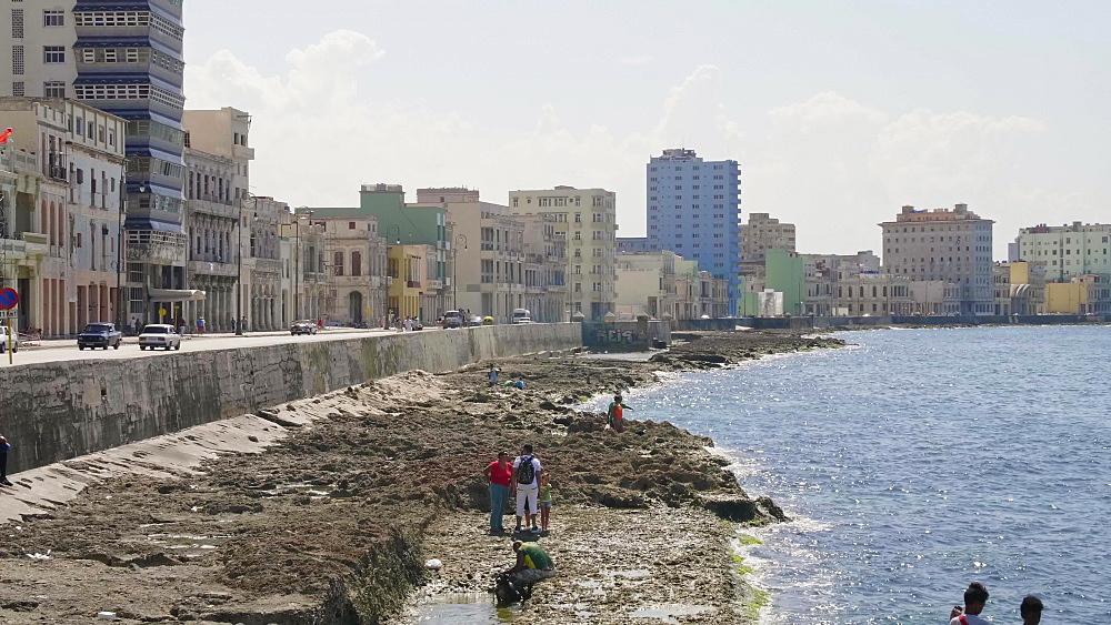 The Malecon and La Habana skyline, Havana, Cuba, West Indies, Caribbean, Central America