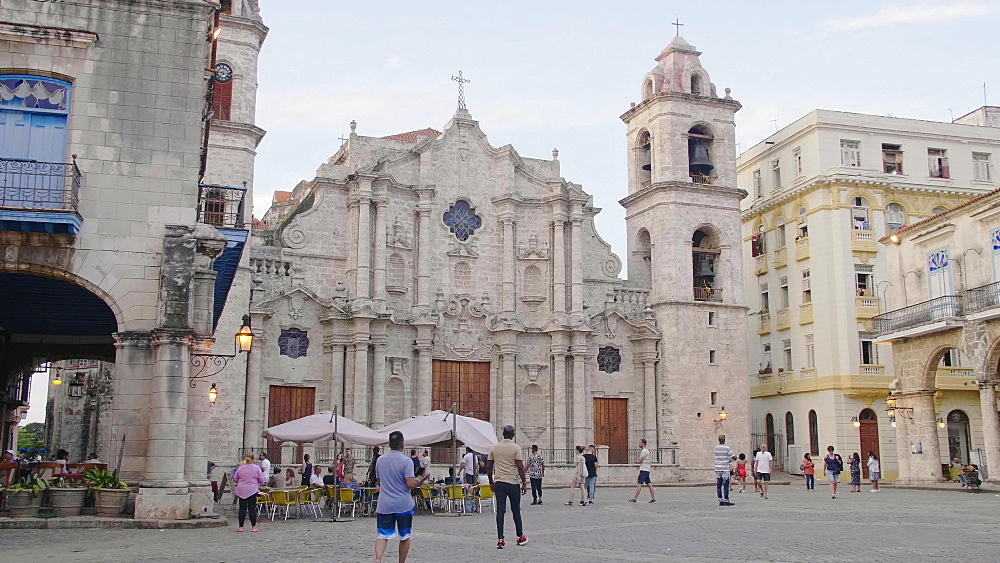 La Catedral de la Virgen Maria, La Habana Vieja (Old Havana), UNESCO World Heritage Site, Plaza de la Catedral, Havana, Cuba, West Indies, Caribbean, Central America
