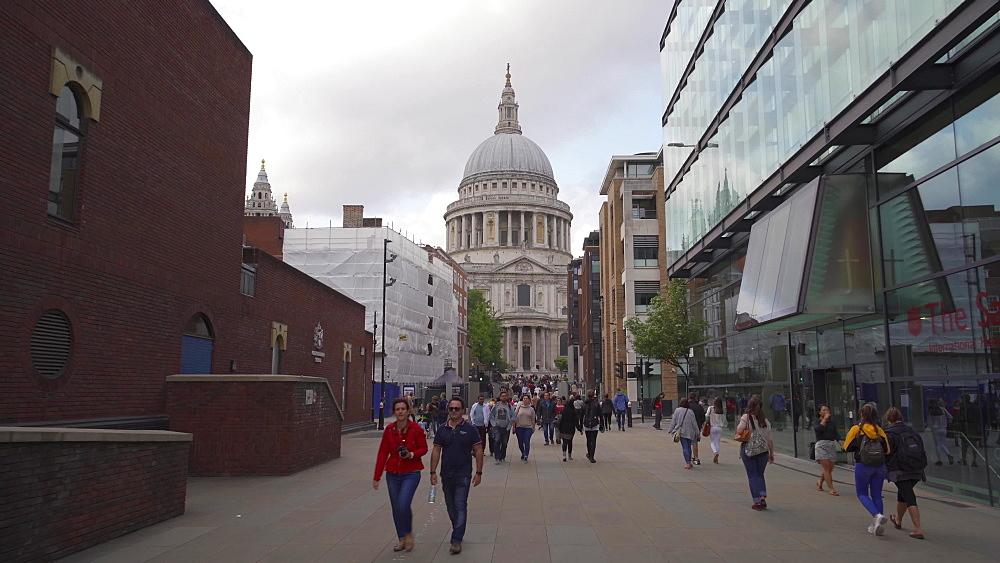 Tracking shot of St. Paul's Cathedral, London, England, United Kingdom, Europe