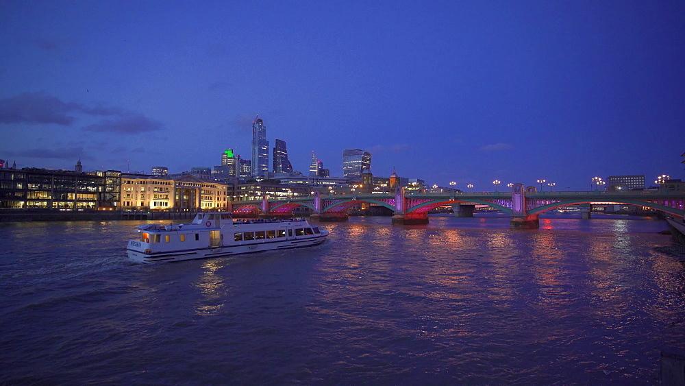 London skyline, Blackfriars Railway Bridge, Thames River and St. Pauls Cathedral at night, London, England, United Kingdom, Europe