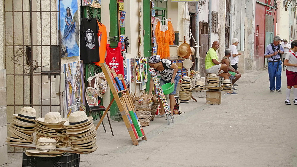 Local souvenir market, La Habana (Havana), Cuba, West Indies, Caribbean, Central America