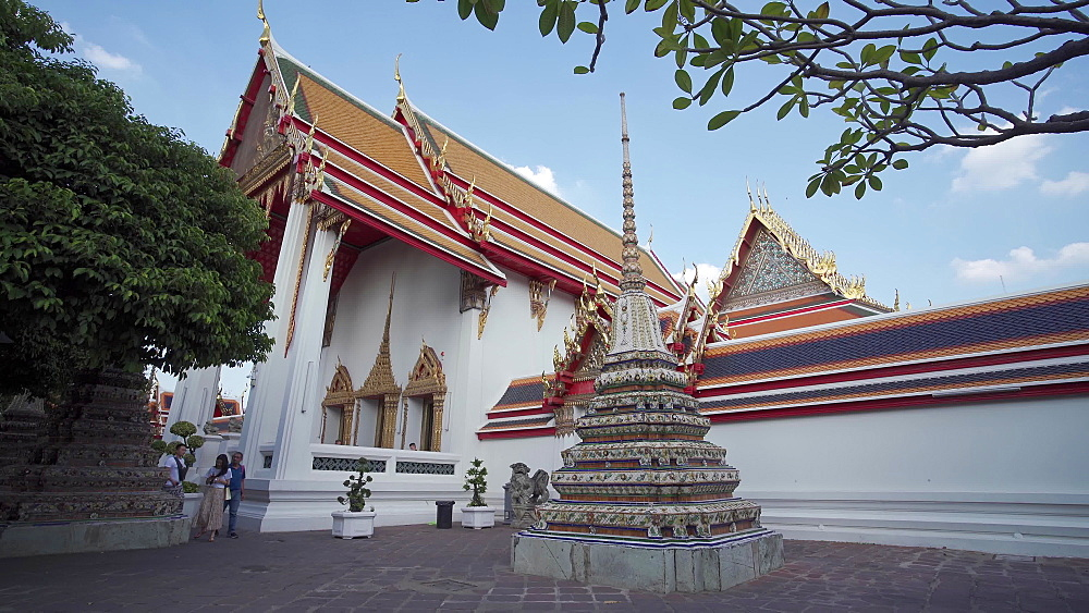 Wat Phra Chetuphon (Wat Pho) (Temple of the Reclining Buddha), Bangkok, Thailand, Southeast Asia, Asia