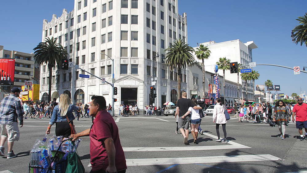People crossing Hollywood Boulevard, Hollywood, Los Angeles, LA, California, United States of America, North America - 1276-924