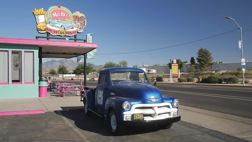 Vintage car at Mr D Route 66 Diner at Kingman, Route 66, Arizona, United States of America, North America - 1276-979