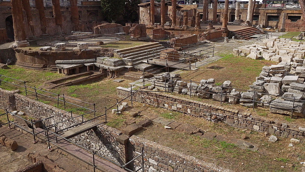 Archaeological site close to where Julius Caesar was killed, Largo di Torre Argentina, Rome, Lazio, Italy, Europe - 1278-28