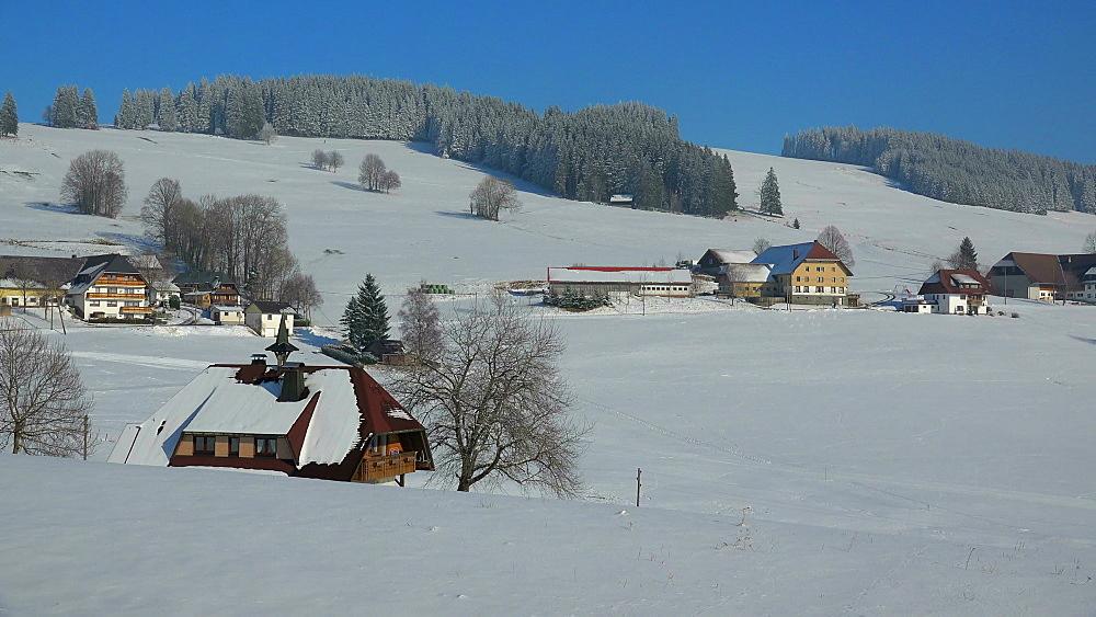 Winter landscape near Breitnau, South Black Forest, Schwarzwald, Baden-Wurttemberg, Germany, Europe - 396-10196