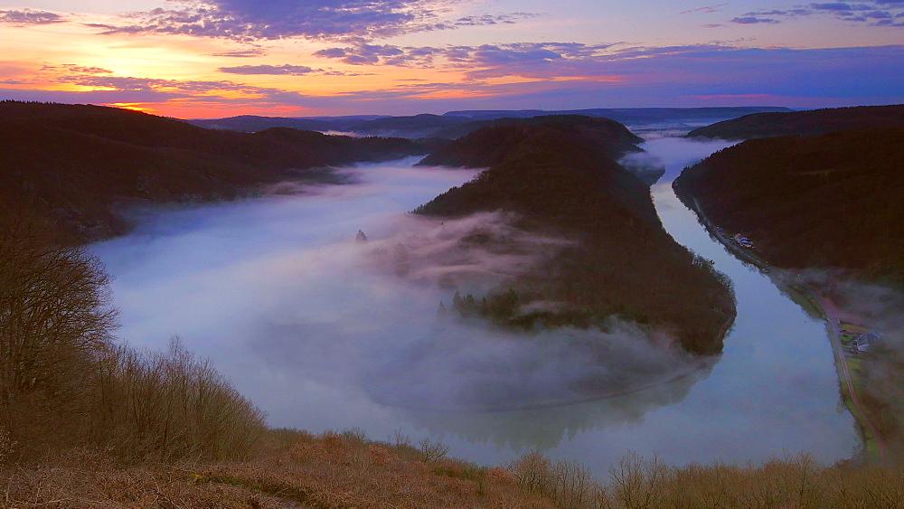 Saarschleife (Saar River Bend) near Mettlach at sunrise in the morning, Saarland, Germany, Europe