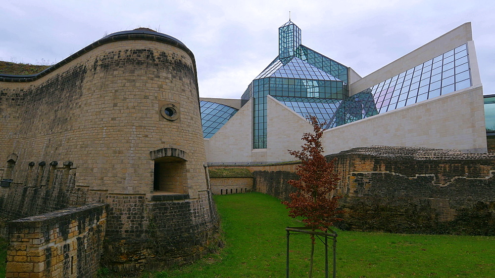 Fort Thuengen with Fortress Museum and Mudam Museum, Luxembourg City, Grand Duchy of Luxembourg, Europe - 396-10415