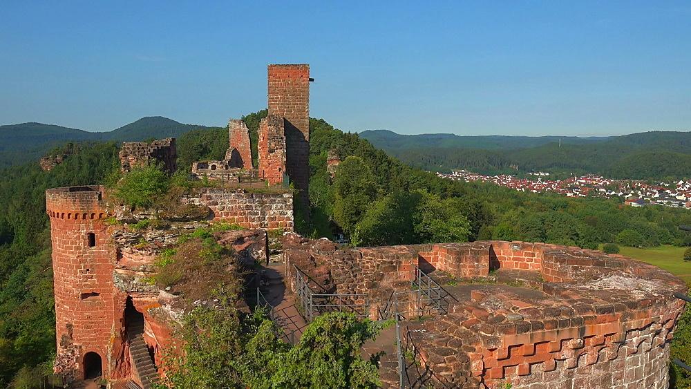 Altdahn Castle near Dahn, Dahner Felsenland (Dahn Rocky Landscape), Palatinate Forest, Rhineland-Palatinate, Germany - 396-10479