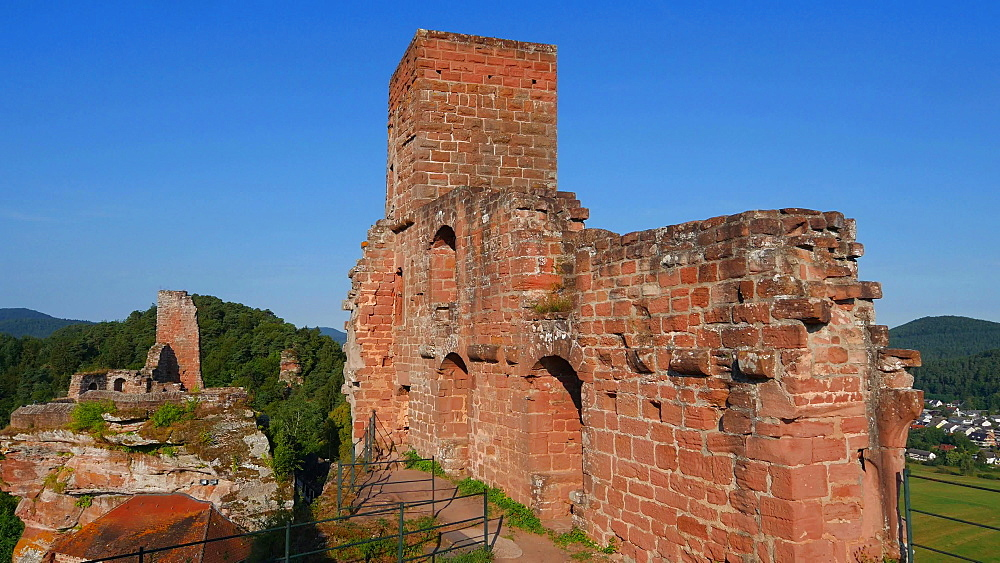 Altdahn Castle near Dahn, Dahner Felsenland (Dahn Rocky Landscape), Palatinate Forest, Rhineland-Palatinate, Germany, Europe