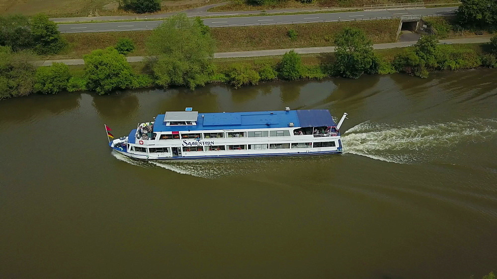 Excursion ship on the Saar River at Serrig, Rhineland-Palatinate, Germany, Europe