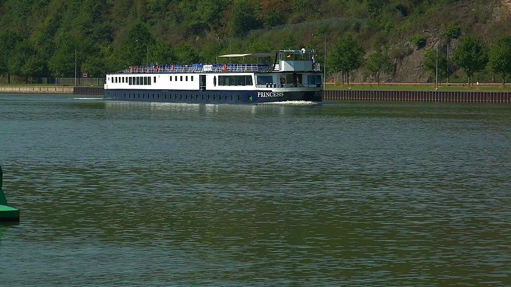 Saar River near the lock of Serrig, Saar Valley, Rhineland-Palatinate, Germany - 396-10524