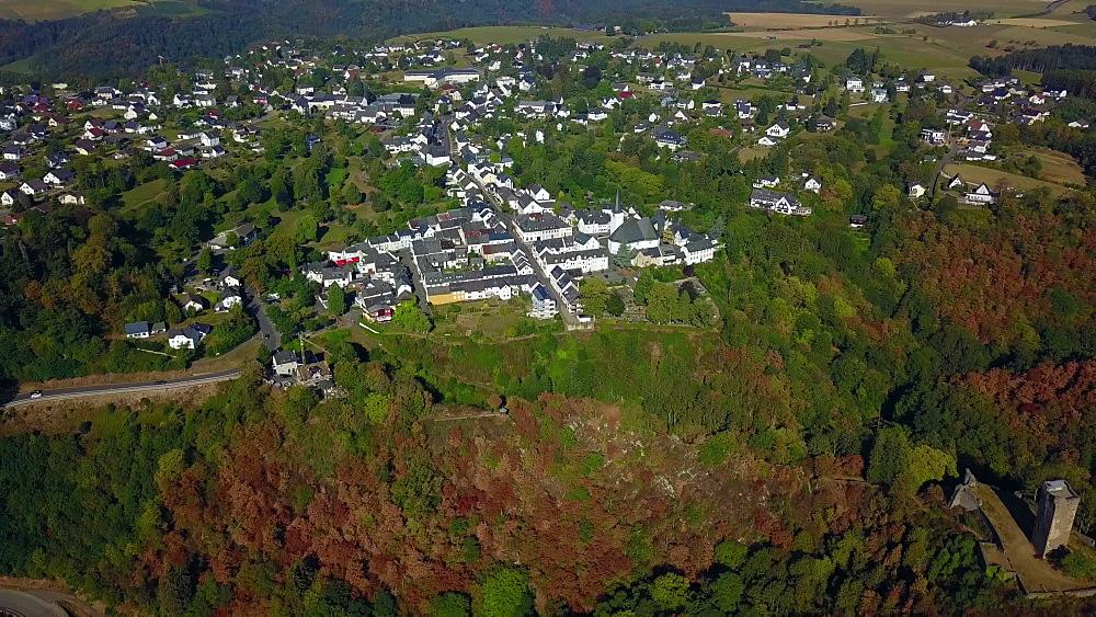 Ruins of the Castles Niederburg and Oberburg, Manderscheid, Eifel, Rhineland-Palatinate, Germany, Europe