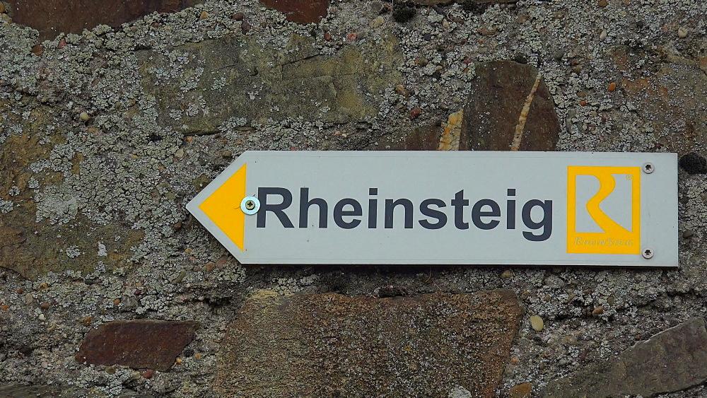 Sign for Rheinsteig hiking trail near Kaub, Rhine Valley, Rhineland-Palatinate, Germany, Europe
