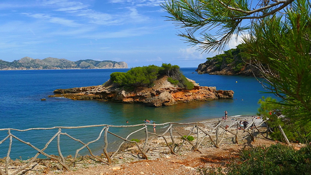 View from Punta Larga with the Island S'Illot across the Bay of Pollenca towards Cap de Formentor, Alcudia, Victoria Peninsula, Mallorca, Balearic Islands, Spain, Mediterranean, Europe