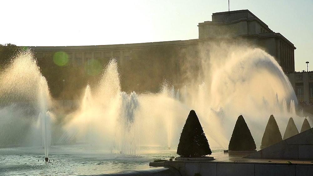 Jardins du Trocadero and Palais de Chaillot, Paris, France, Europe
