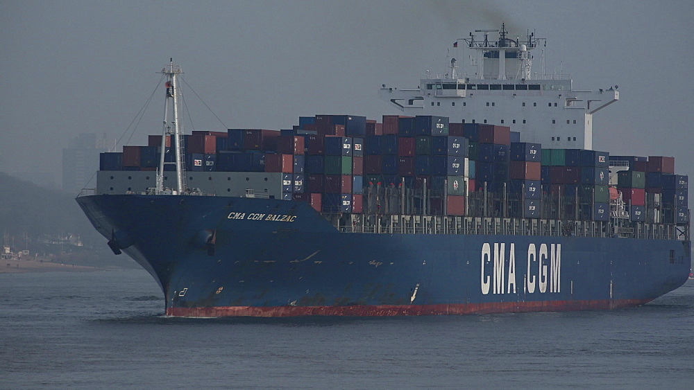 Container vessel on Elbe River near Hamburg-Finkenwerder, Germany, Europe - 396-6035