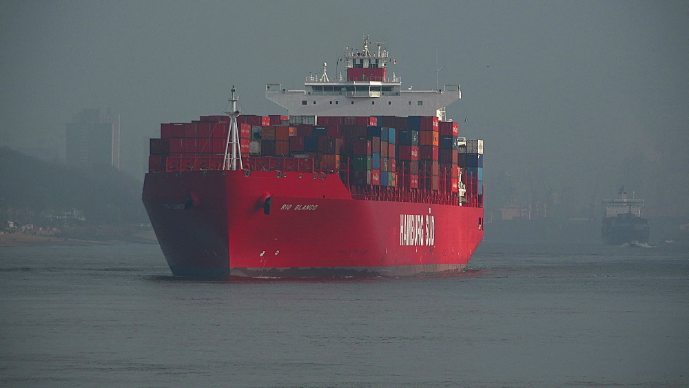 Container vessel on Elbe River near Hamburg-Finkenwerder, Germany, Europe - 396-6094