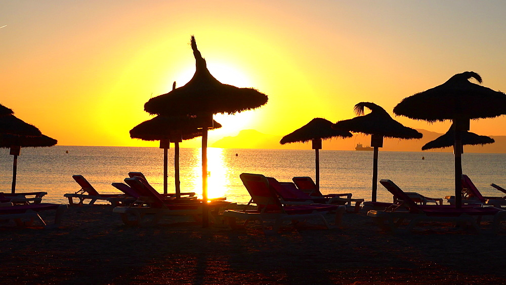 Morning mood at Playa Muro, Badia d'Alcudia, Majorca, Balearic Islands, Spain, Mediterranean, Europe