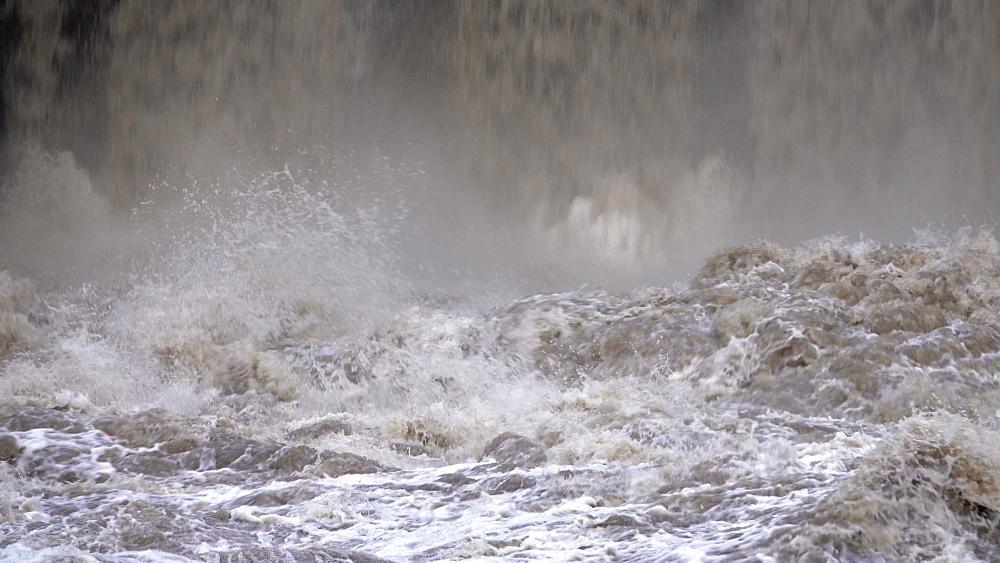 Flood waters at weir, Saar River, Serrig, Rhineland-Palatinate, Germany - 396-8355