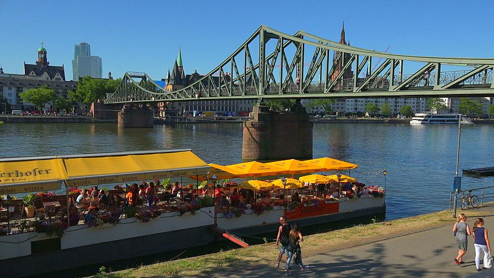 Eiserner Steg Bridge and Main River, Frankfurt am Main, Hesse, Germany
