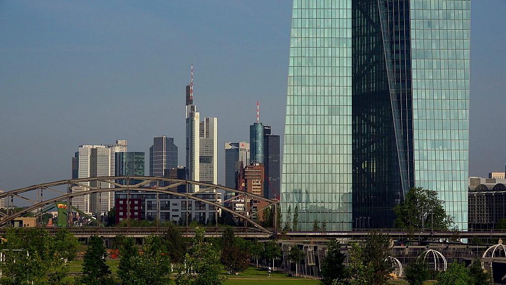 Hafenpark, European Central Bank, ECB, and skyline, Frankfurt am Main, Hesse, Germany