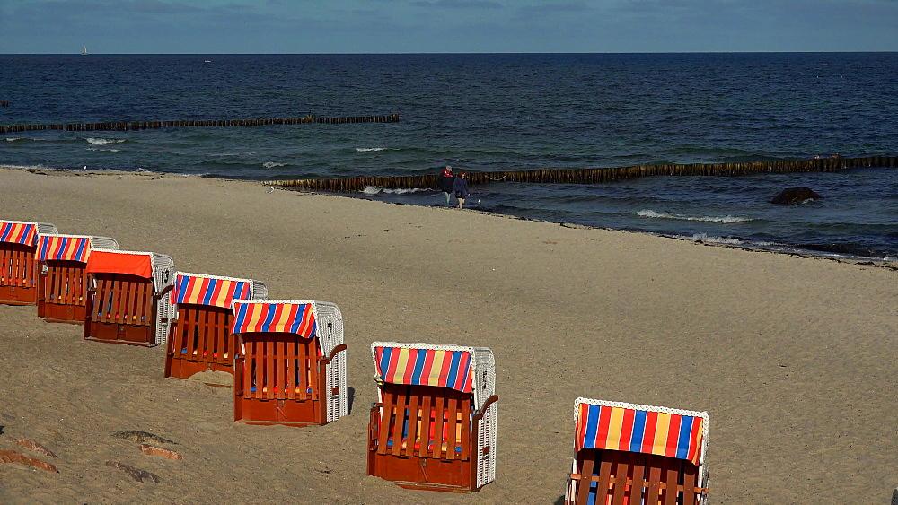 Beach in Kuehlungsborn, Baltic Sea, Mecklenburg-Western Pomerania, Germany, Europe - 396-9672