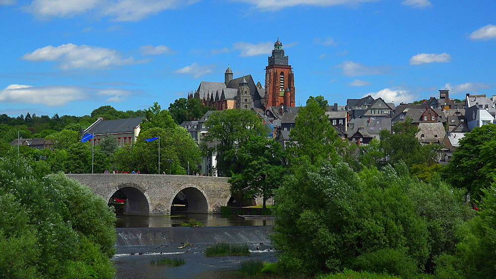 View across Lahn River to Old Bridge and Cathedral, Wetzlar an der Lahn, Hesse, Germany, Europe