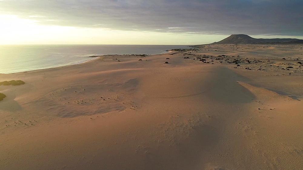 Sand dunes at Park Natural de Corralejo, Fuerteventura, Canary Islands, Spain, Atlantic, Europe