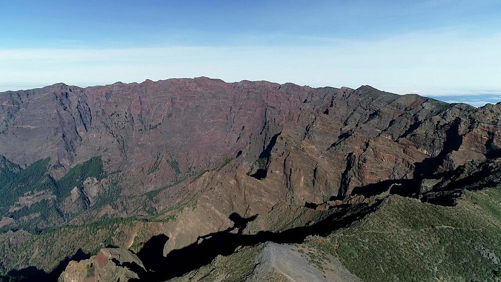 View of volcanic crater looking into National Park Caldera de Taburiente, UNESCO Biosphere Site, La Palma, Canary Islands, Spain, Atlantic, Europe