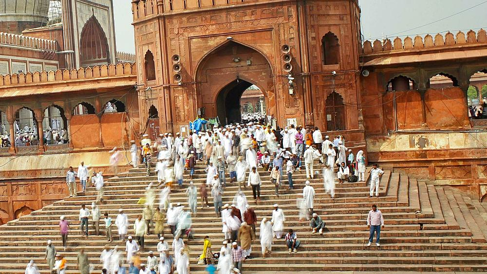 People leaving the Jama Masjid (Friday Mosque) after the Friday Prayers, Old Delhi, Delhi, India - Timelapse - 794-2205