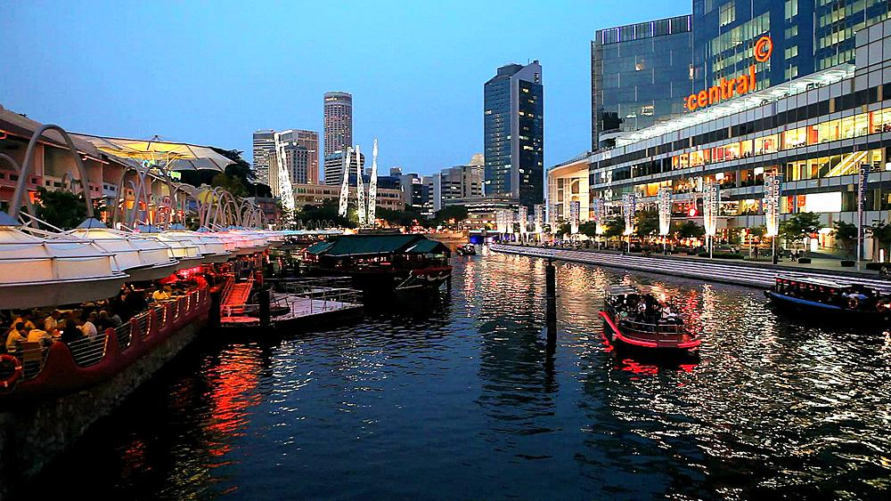 Singapore, Clarke Quay entertainment district on the Singapore river, Real time dusk footage