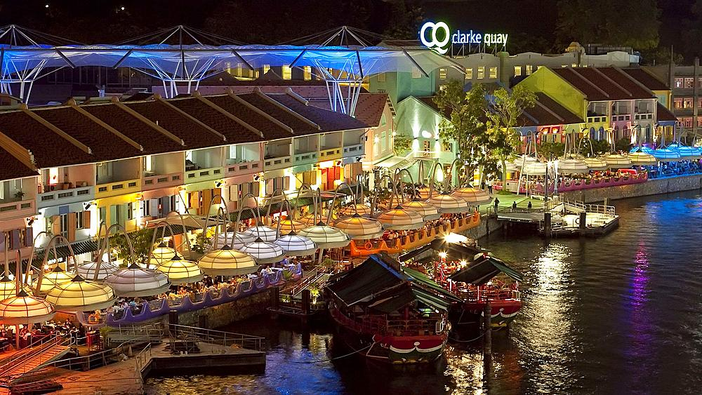 Singapore, Clarke Quay entertainment district on the Singapore river, time lapse