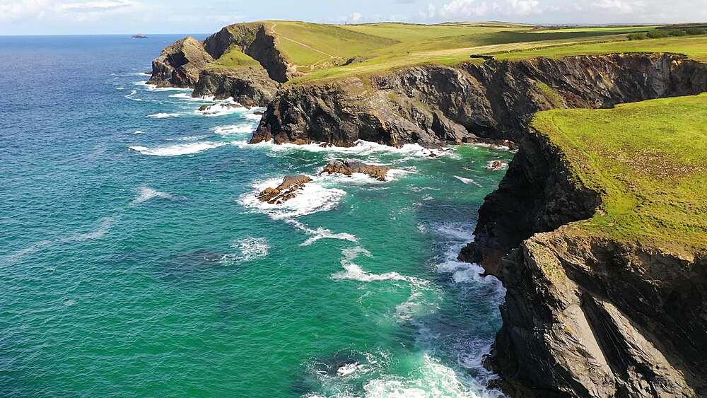 Aerial of dramatic North Cornish coastline near Padstow, Cornwall, England, United Kingdom, Europe - 799-4122